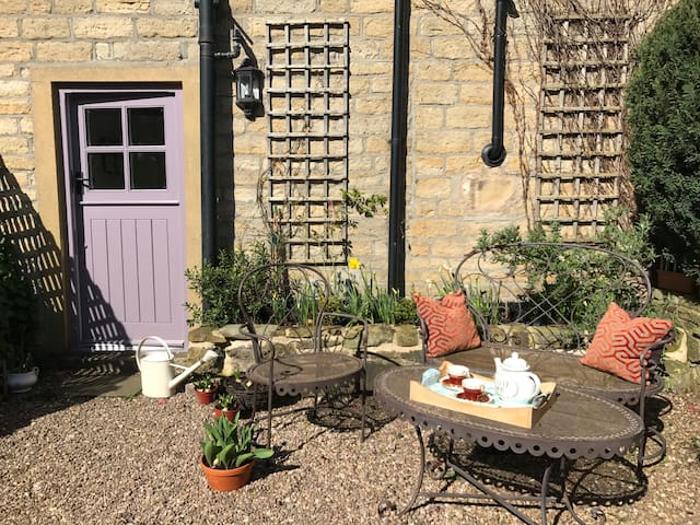 Chocolate-box cottage in Holmfirth - Holmfirth - Stuga