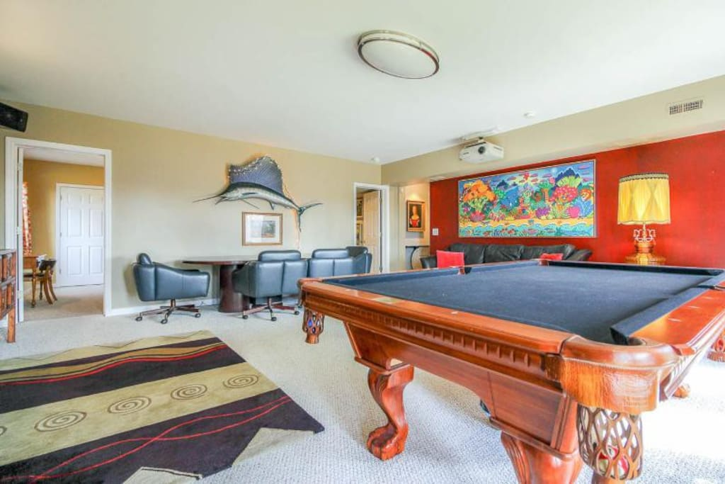 Pool table and comfortable dining for four