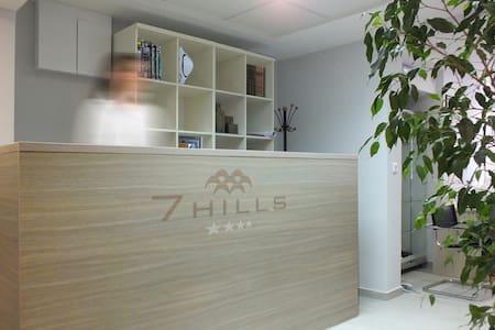 7 HILLS Bed&Bike standard room - Podgorica