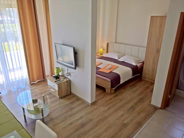 La Porta Apartments Studio No. 1