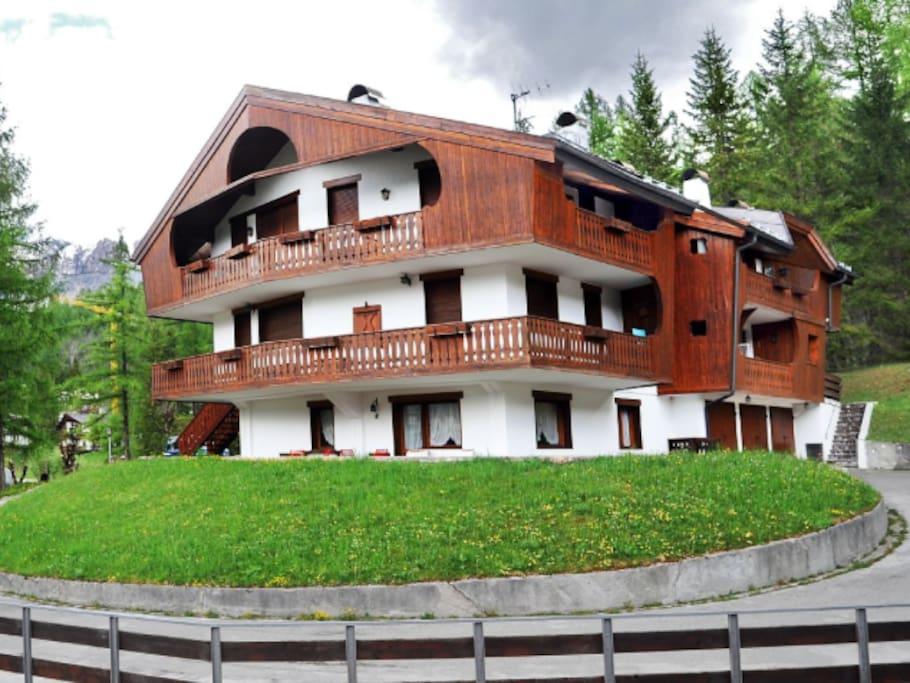 App grandiosa terrazza panoramica appartamenti in for Affitto chalet cortina
