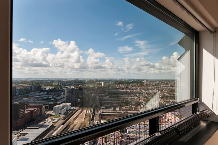 Amazing Apartment on 39th floor 774 - The Hague