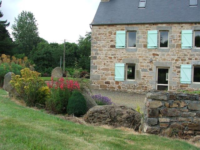 """gîte """"les fougères"""" à Squibernévez - Pédernec - House"""