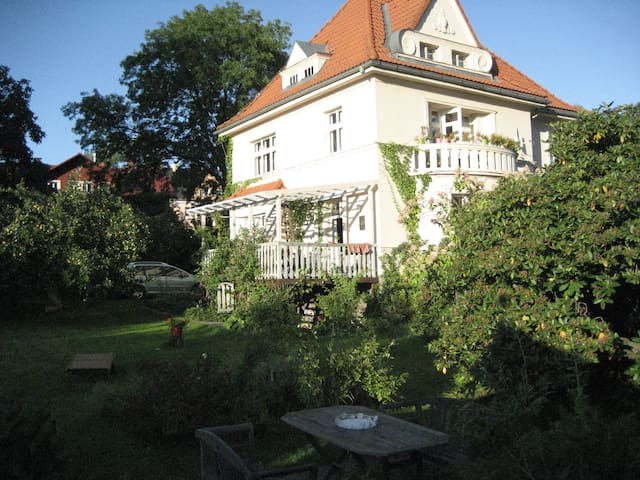 Romantic villa with beautifull garden - Liberec - House