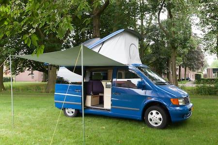 Buscamper met 6 zitplaatsen 2 bedden (4 personen). - Barneveld - Camper/RV