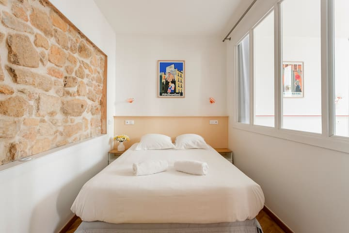 Room 1 for 2 people