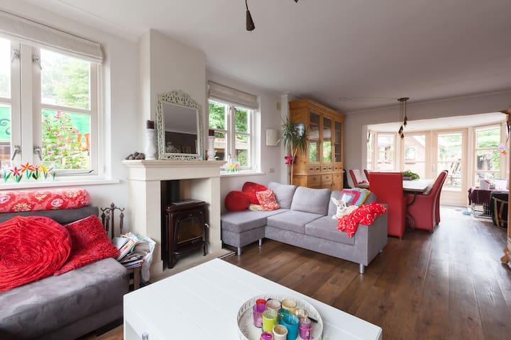 Villa in centrum Barneveld - Barneveld - วิลล่า
