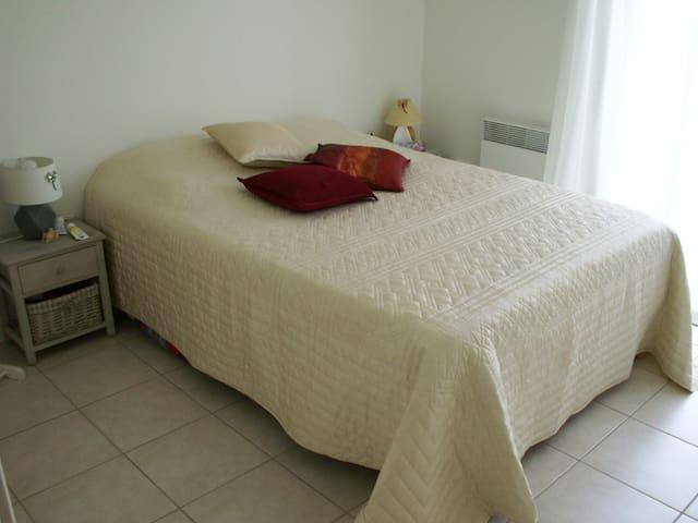 chambre lit 140XD200