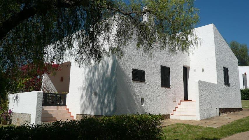 Casa de Férias em Pedras d'El Rei - Santa Luzia - บ้าน