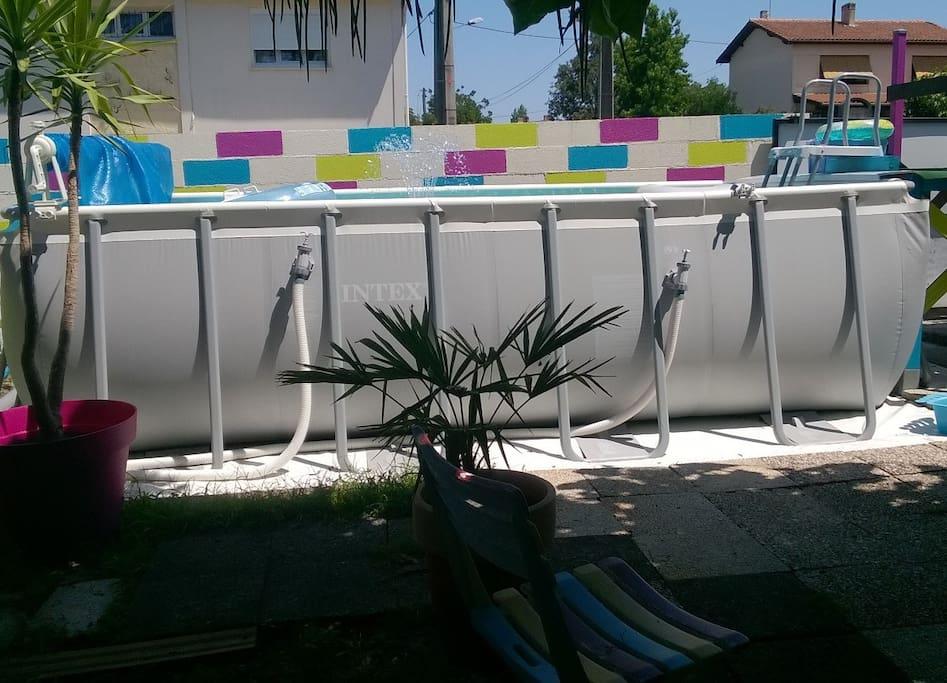 piscine spacieuse pour se rafraichir