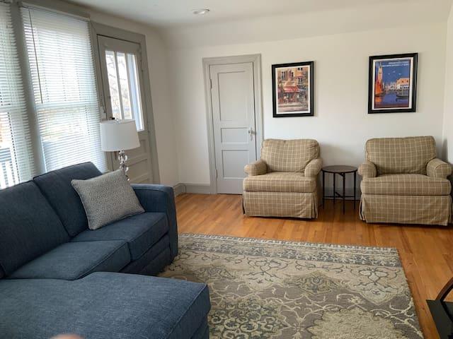 Sylvan Park Apartment