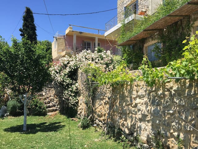 Traditional stone village home - Agios Ioannis, Ierapetra - Casa