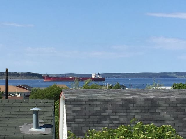 Beautiful CBS 15 Min to St. John's - Conception Bay South - Flat
