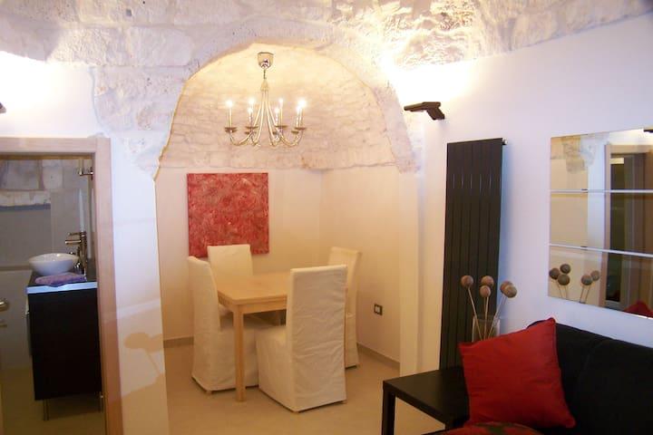 C18th stone built 1 bed apartment - Ostuni - Apartment