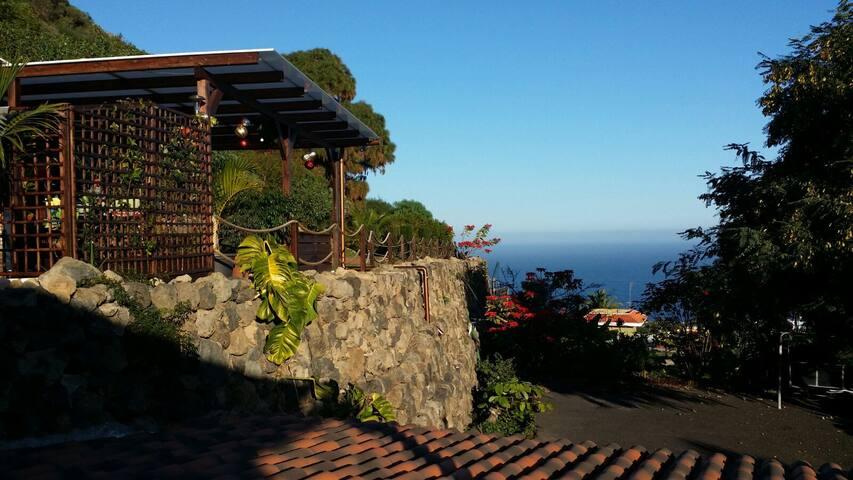 Privates kleines Haus mit Blick aufs Meer