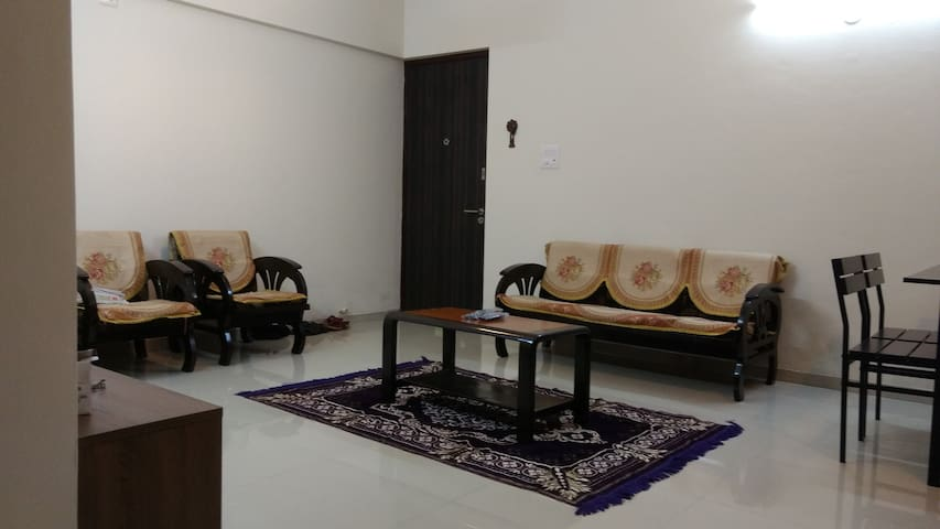 Lavasa City - 1BHK Service Apartment - Lavasa - Pis