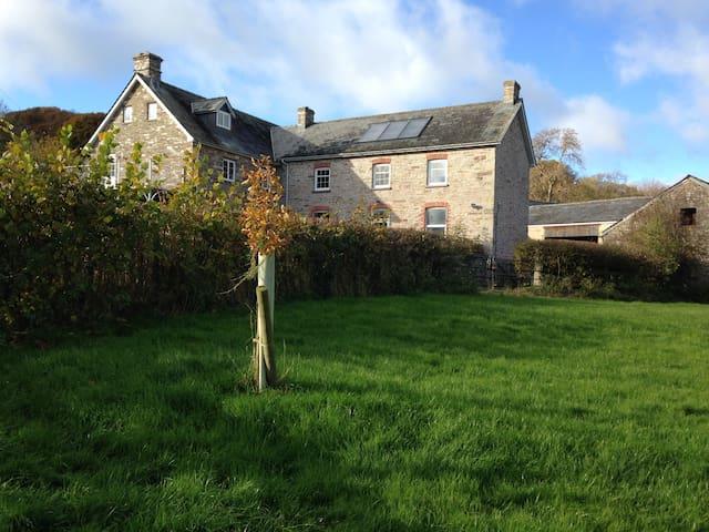 Traditional Farmhouse - Llandefalle