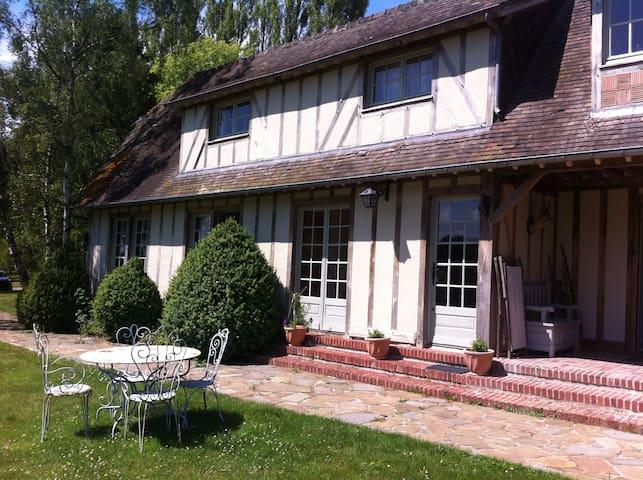 Maison de charme en colombage - Tourville-en-Auge - Huis