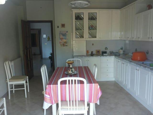 Luminosissimo Appartamento - Casteldaccia - Lägenhet