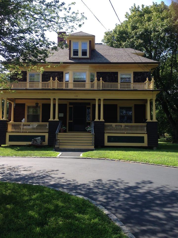 Gardner House 4 Great Spot to Newport & Providence