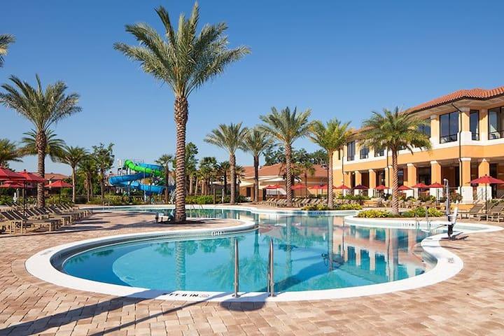 Near Disney/Orlando 4Bdrm/3 Bath Fully Furnished