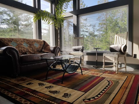 Forest Garden Suite on Great Trail-Dog Friendly!