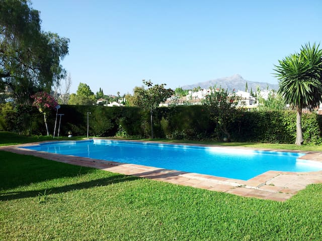 Marbella Cozy Town House with view - Benahavís - Casa