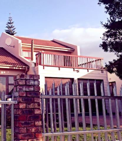 Sunny apartment with balcony - Mossel Bay - Flat