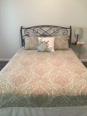 Queen Bedroom #2 with en suite Jack and Jill bath.
