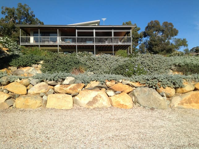 Astounding Perth Hill's Home with breathtaking views and beautiful gardens