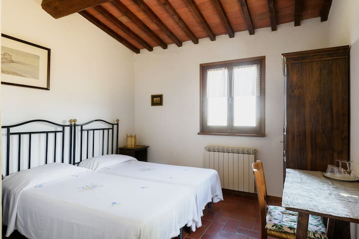 Camera doppia a due letti con vista - Radda in Chianti - Bed & Breakfast