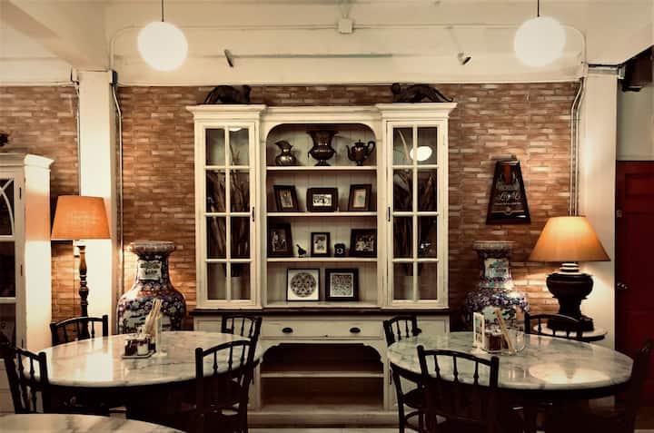 4 Bedrooms in Vintage Style Thai Restaurant/#ETH