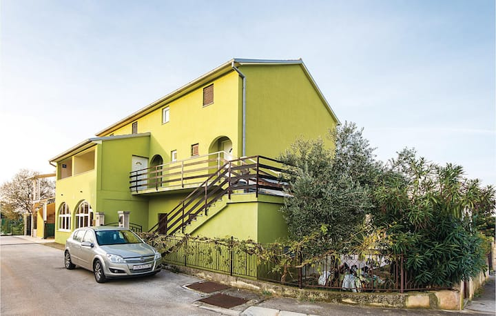 Beautiful home in Peroj with WiFi and 2 Bedrooms