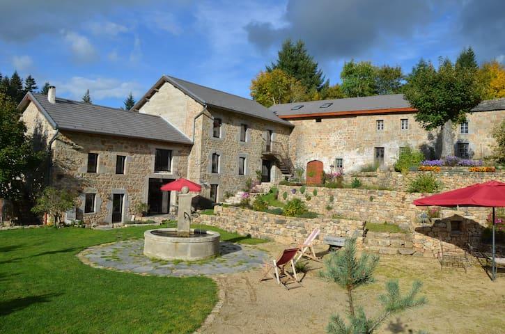 Moulin de Montabonnel - DEVESSET - Bed & Breakfast