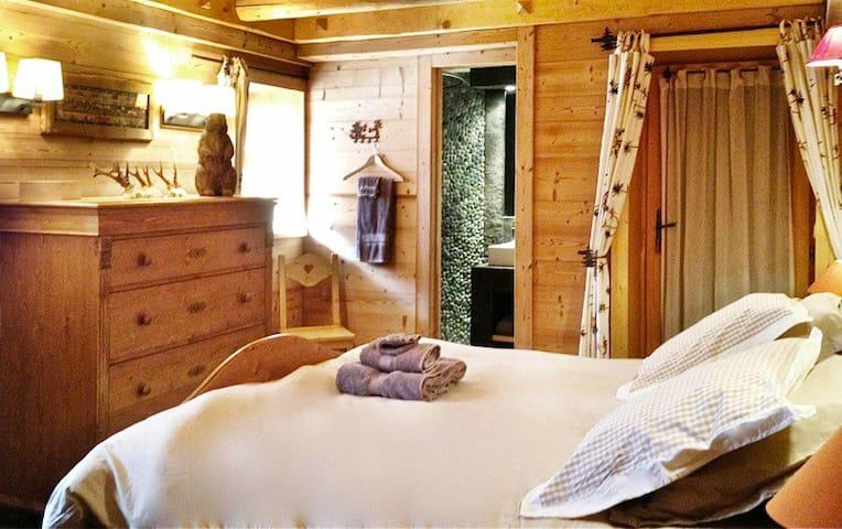 Sweet dreams and ensuite bathroom