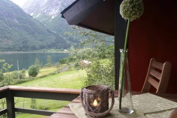Balestrand - cabin by the Sognefjord (Cabin #2)