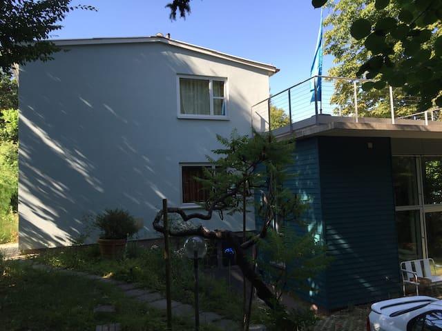 Haus im Grünen in Stadtnähe 2