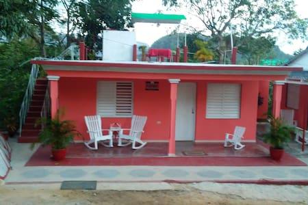 """Casa particular en Viñales, Entorno natural""""Wi-fi."""