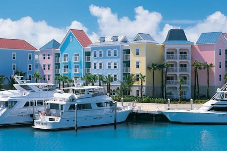 Harborside Resort~Atlantis~1br DELUXE sleeps 4 - Nassau