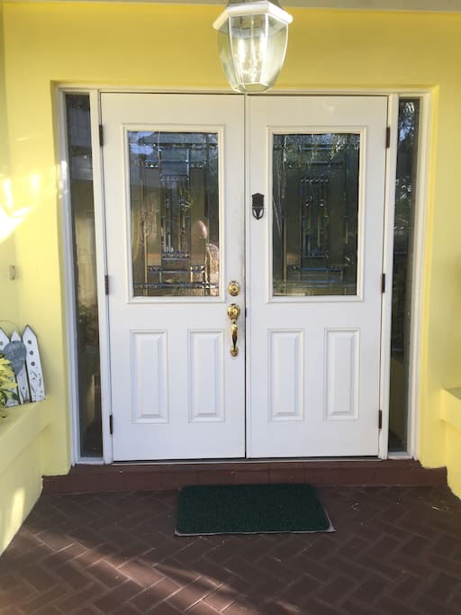 Double Entrance Doors w Leaded Glass & Electronic Lock