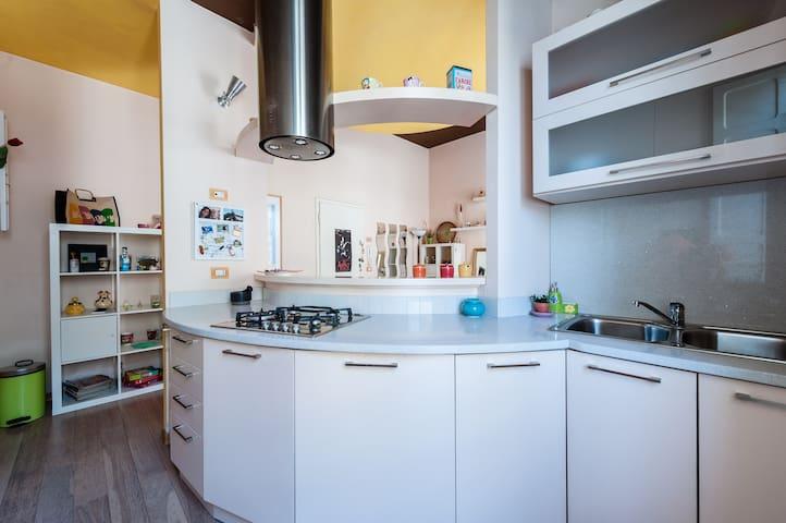 Colorato appartamento in centro