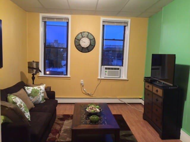 Pretty Apartment Near Times Square!