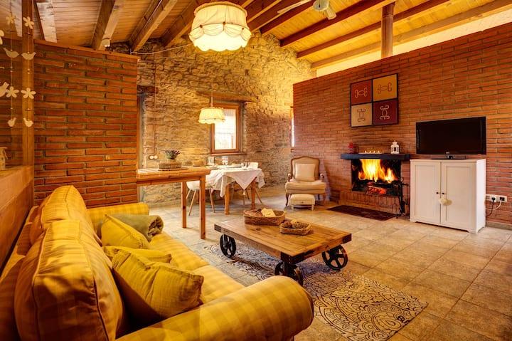 Càlida casa per parelles en plena natura - Vens?