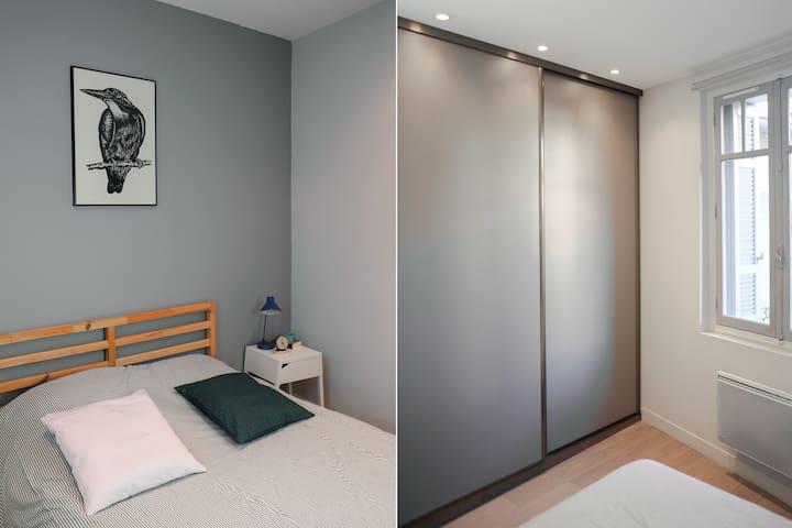 Chambre avec grand dressing et penderie