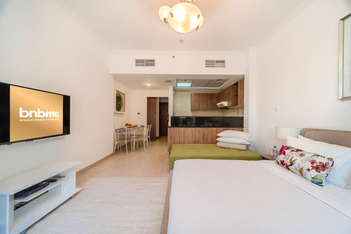 Cozy Studio Apartment—Heart of Downtown Dubai