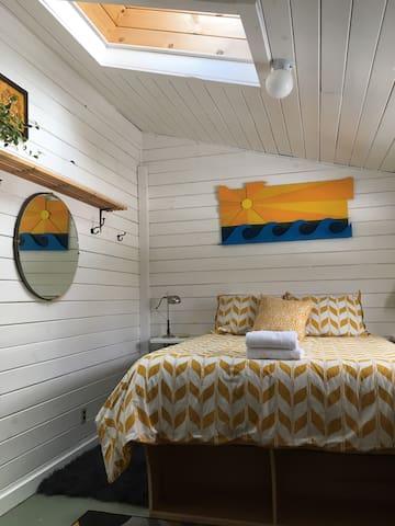 Room 2 at Hub North. Ski Wildcat, nordic, glades!