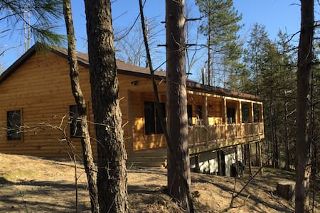 Brand New Lake Front Cabin - Athens - Hytte