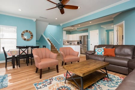 Brand new! Luxury waterfront. Kid & pet friendly! - Jamaica Beach