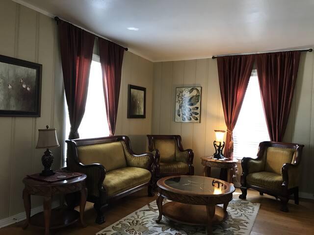 Sassafras Inn/Veranda Suite/2 Bedrooms/Priv Bath