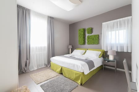 Grren Room -Double Room-Included Breakfast - Costa Volpino - Villa - 2